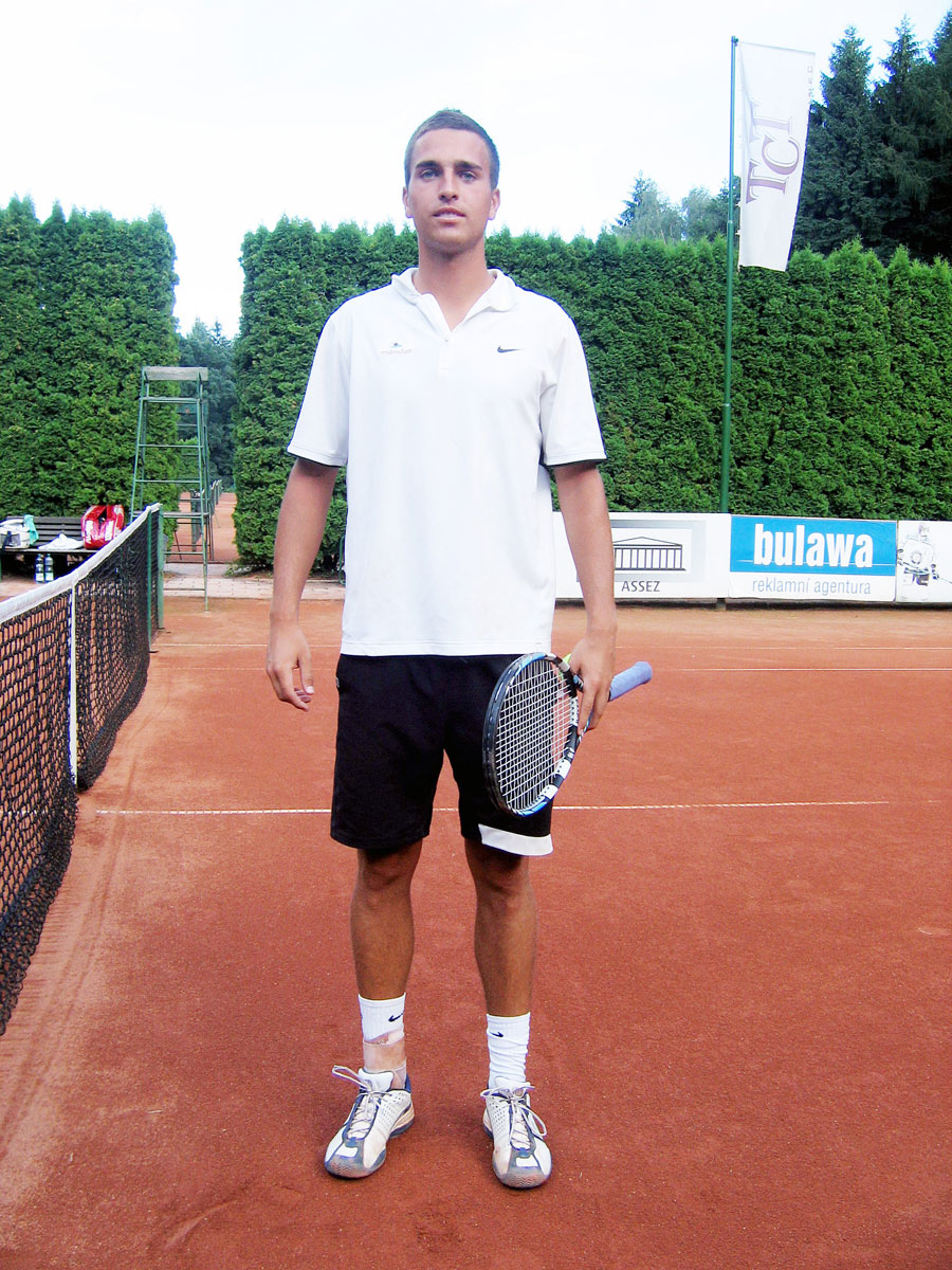 http://www.tctrinec.cz/Grafika/Fotky/Zavodni/Turnaj_2008_Dospeli_letni_03.jpg